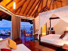 Zimmer im Wasserbungalow des ROBINSON Club Maldives