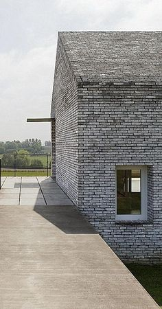 Villa H in W - Stéphane Beel Architect Detail Architecture, Brick Architecture, Contemporary Architecture, Interior Architecture, Brick Roof, Brick Facade, Brick Design, Exterior Design, Brick Building