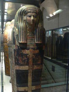 """""""Sarcófago de Mesré"""". XVIII Dinastia Egípcia (1550-1295 a.C.). Museu do Louvres. # Paris, França."""