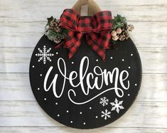 Christmas Projects, Holiday Crafts, Christmas Time, Christmas Ornaments, Holiday Decor, Christmas Door Hangers, Diy Christmas Door Decorations, Christmas Wood Crafts, Christmas Door Wreaths