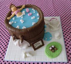 Step by step cake fondant Fondant Cake Designs, Cake Decorating With Fondant, Cake Decorating Tutorials, Bolo Fondant, Fondant Cakes, Cupcake Cakes, Spa Cake, Pool Cake, Spa Birthday Cake
