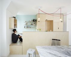 Septembre Architecture kitchen in birch plywood with mint tiles keuken in berken multiplex en mint groene tegeltjes