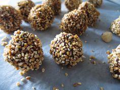Vegan Hazelnut Truffles (like Ferrero Rochers).