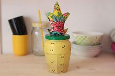 diy pot ananas customiser Crafts For Kids, Arts And Crafts, Recycled Art, Wonderland, Planter Pots, Recycling, Diy, Blog, Bedroom
