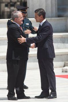 Peña Nieto coloca ofrenda y rinde homenaje a Benito Juárez I Excélsior