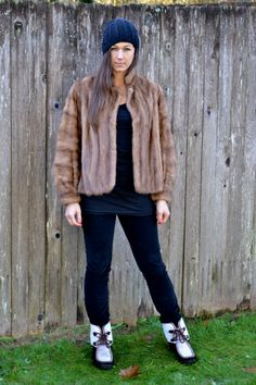1950s vtg sz medium brown mink fur coat // USA MADE Fines Fur Salon crop coat  // FauxyFurr Vintage fc30-1115drd by FauxyFurrVintage on Etsy