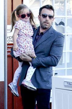 Ben Affleck & Seraphina: Shopping In Sunglasses