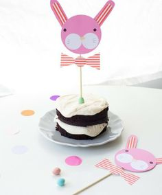 DIY bunny cake toppers for Easter on Handmade Charlotte. Too cute!