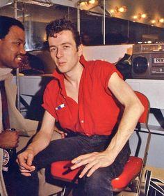 Photo: Joe Strummer - The Clash Men's Style Icons, The Future Is Unwritten, Paul Simonon, Mick Jones, British Punk, Joe Strummer, New Wave, Thing 1, Music Love