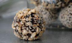 Chokladbollar med dadlar och salt