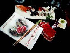 """""""Tra #sushi e #affari... vivendo lo stile #yuppie a #Cordova""""... http://ilmiolibro.kataweb.it/libro/narrativa/254051/cuore-gitano/ @ilmiolibro.it #ilmioesordio2016 #edonismo #boomeconomico #manager #immagine #successopersonale #prestigiosociale #rampantismo #anniottanta #sportestremi #geisha #madamebutterfly #loftbianconero #benessere #curadelcorpo #positivattitudine"""