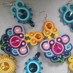 #stebotavo #handmade #handmadejewelry #soutache #oneofakind #ooak #jewelry #earrings #swarovski #sitesperky #hechoamano #colorful #beads #fashion #colours #guess #instajewelry #earringsoftheday #fashionista #dnestvorim #vlastnymirukami #tvorba #sperky #nausnice #rainbow #duha #sikovneSlovenky #farebnysvet