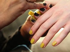 Textured mustard nails? Don't mind if I do!