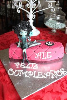 Frankie Monster High Birthday Cake