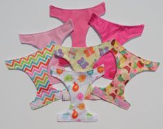 Doll diapers baby alive set of three cloth by MissBHavenBoutique Puppe Windeln Baby lebendig Satz von drei Tuch von MissBHavenBoutique Baby Doll Diaper Bag, Baby Girl Names, Boy Names, Reborn Baby Boy Dolls, Diaper Storage, Baby Ruth, Doll Carrier, Baby Driver, Realistic Baby Dolls