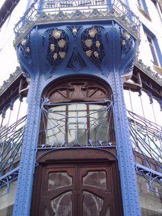 Art Nouveau 'Nancy' bank door and detail