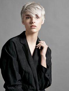 Les plus belles coupes courtes vues sur Pinterest Coupe cheveux courts blonds