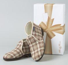 Reino-shoes...hilarious...:)))))))))))