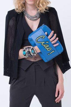 Agraf ile tarzını ve şıklığını tamamla, modayı keşfet. Birbirinden güzel Handbags & Clutch modelleri Lidyana.com'da!