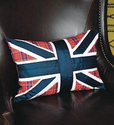 ~ London Calling pillow ~ full tutorial ~ made one in green but I used plaid ribbon instead of fabric ~CHLOE Union Jack Pillow, Union Jack Cushions, Union Jack Decor, Hello London, Flag Quilt, Chevron Quilt, Velvet Couch, Cozy Chair, London Calling