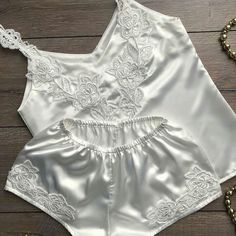 Jolie Lingerie, Lingerie Outfits, Pretty Lingerie, Beautiful Lingerie, Women Lingerie, Cute Sleepwear, Girls Sleepwear, Lingerie Sleepwear, Sexy Pajamas