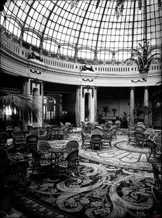 La cúpula acristalada del hotel Palace c.1930 (Archivo Lladó)