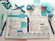 Quem é que todos os anos compra uma agenda para tentar ser organizado e acaba por usá-la durante duas semanas e nunca mais tocam nela e des...