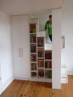 Auf dem Weg nach oben: moderne Kinderzimmer von Christ & Holtmann