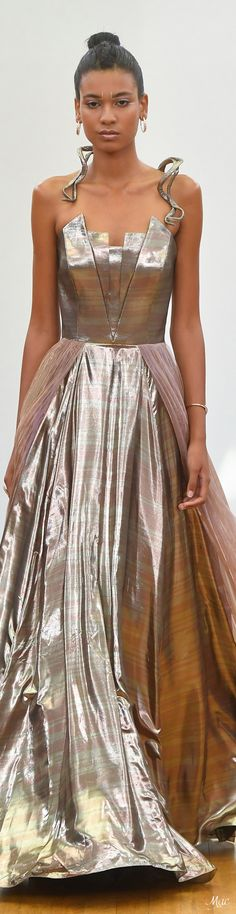 Fall 2017 Haute Couture Gyunel