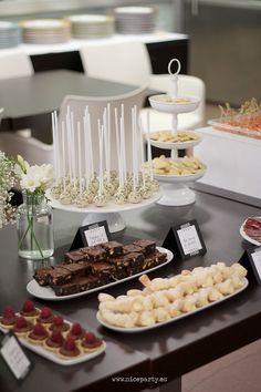 Nice Party fiesta jubilación blanco y negro mesa de dulces decoración