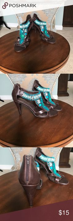 Ann Marino Zip up Heels Quality is 8 out of 10. Ann Marino Shoes Heels