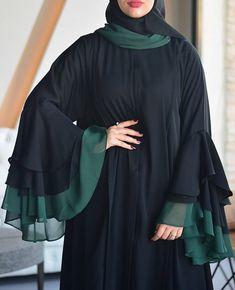 Naqab and latest sleeves partten Niqab Fashion, Muslim Fashion, Abaya Designs Latest, Burqa Designs, Modern Abaya, Pakistani Fashion Casual, Iranian Women Fashion, Sleeves Designs For Dresses, Blouse Neck