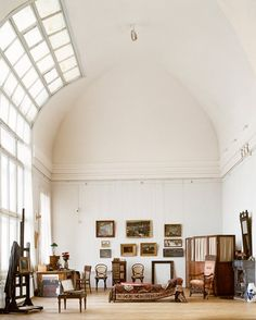 St. Petersburg art studio of Arkhip Kuinji, a 19th century Georgian artist.  Who wouldn't be inspired with this kind of natural light?  *Photographer Pieter Estersohn