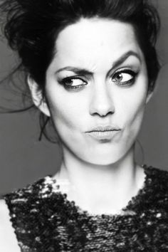 Marion Cotillard - French actress, singer and songwriter. Photo by Jan Welters for Dior. Marion Cotillard, Expression Face, Face Expressions, Black And White Portraits, Black And White Photography, Poses, Peter Lindbergh, French Beauty, French Actress