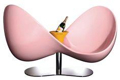 Love Seat, confident moderne | Karim Rashid, maison Veuve Clicquot