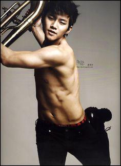 Junho, Lee Jun Ho. From 2PM. Garage boy, the cute one.