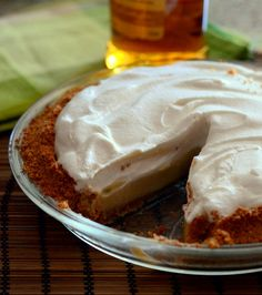 Bourbon Butterscotch Cream Pie | Baking Bites #bourbon #thanksgiving #dessert