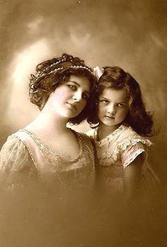 Vintage Rose Album: Córeczka mamusi