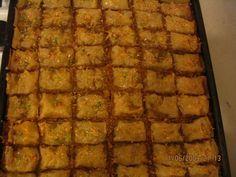 Reteta culinara Baclava din categoria Dulciuri diverse. Cum sa faci Baclava Pastry Cake, I Foods, Banana Bread, Waffles, Food And Drink, Sweets, Cooking, Breakfast, Desserts