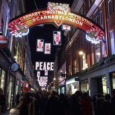 Christmas lights and shopping. #London #carnabystreet #christmaslights 🎄