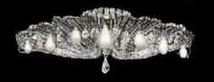 Tiara 'La Chata', fue realizada en 1867. La reina Isabel II de España la compró para su hija. Regalo de los Condes de Barcelona a la princesa en su boda con Juan Carlos I