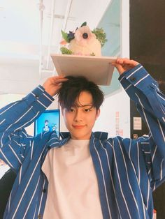 aн ena ĸeĸnya [private on some chap] warn; Kim Dong Young, Yoo Seonho, Produce 101 Season 2, Drama Korea, K Idol, Cube Entertainment, Chinese Boy, White Aesthetic, 3 In One