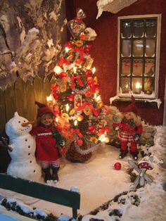 Silke´s Miniatures Saw them on a fair and they are so cute, her father Christmas is like a real one!