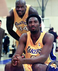 Kobe passes Shaq on NBA's all-time scoring list. (Photo by Getty Images)