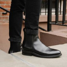 Black Chelsea Boats Outfit Winter Products 54 Ideas For 2019 Black Chelsea Boots Outfit, Leather Chelsea Boots, Casual Boots, Black Boots, Men Casual, Dress With Boots, Dress Shoes, Dress Clothes, Mens Boots Fashion