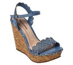 sandália anabela azul e cortiça