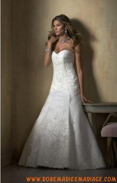 Robe de mariée élégante en satin et dentelle agrémentée de broderies robe de mariée corset