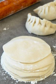 Homemade Dumpling Dough Easy to make homemade dumpling dough recipe. Better than store bought ones. This simple recipe only uses 3 basic ingredients. The post Homemade Dumpling Dough appeared first on Rezepte. How To Make Dumplings, Homemade Dumplings, Steamed Dumpling Dough Recipe, Dumplings Recipe Easy, Making Dumplings, Vegetarian Dumplings Recipe, Asian Dumpling Recipe, Steamed Pork Dumplings, Health Desserts