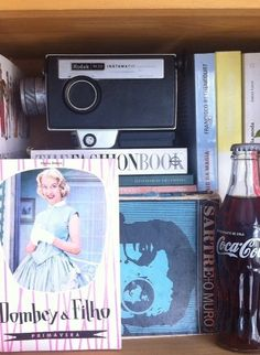 Filmadora Kodak Instamatic Anos 70  #vintage #retrô  #antiguidade  #decor #decoração  #decoração vintage #for the home #inspiration #home inspiration #interiors