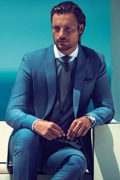 See the Hugo Boss Black Spring/Summer 2013 Advertising Campaign at FashionBeans. See the full collection of images photographed by Mikael Jansson featuring Gabriel Aubrey for Hugo Boss Black. Sharp Dressed Man, Well Dressed Men, Gabriel Aubry, Herren Style, Boss Black, Suit And Tie, Gentleman Style, Looks Cool, Outfits